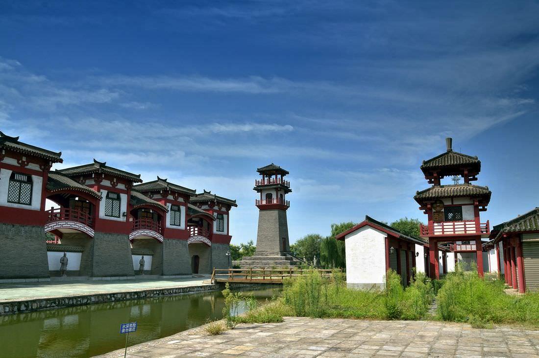 汉代建筑规划设计布局及装饰的风格特征