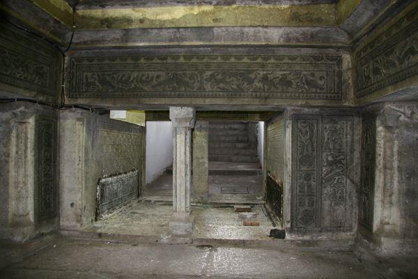 汉代石墓.jpg