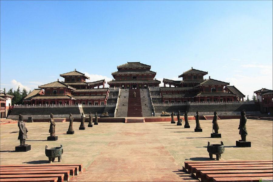 秦代阿房宫与汉代未央宫皇家古建筑