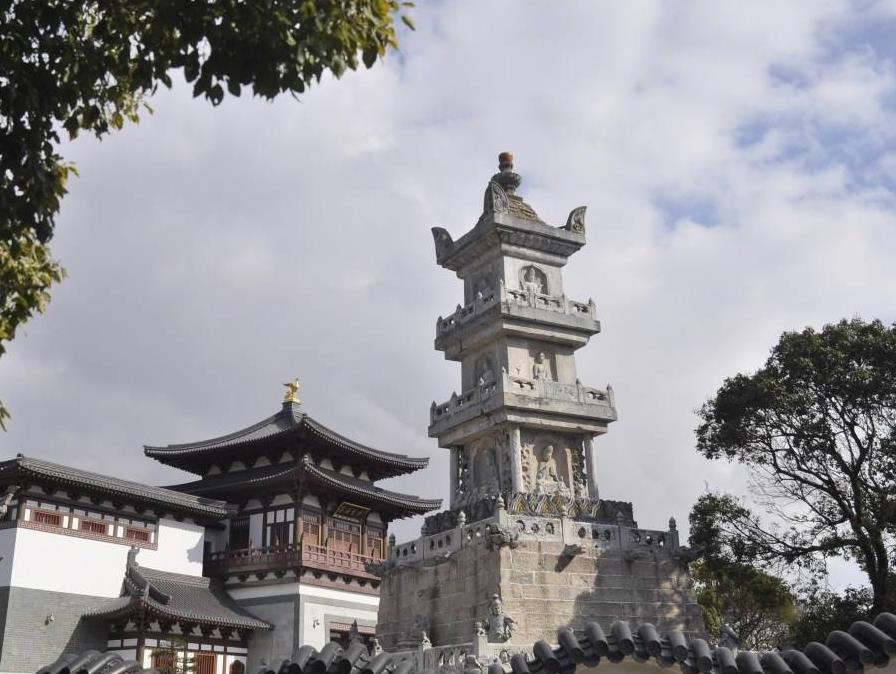 寺庙石塔.jpg
